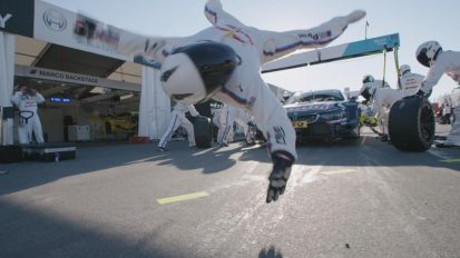 BMW FLYING PITSTOP – feat. FLYING STEPS